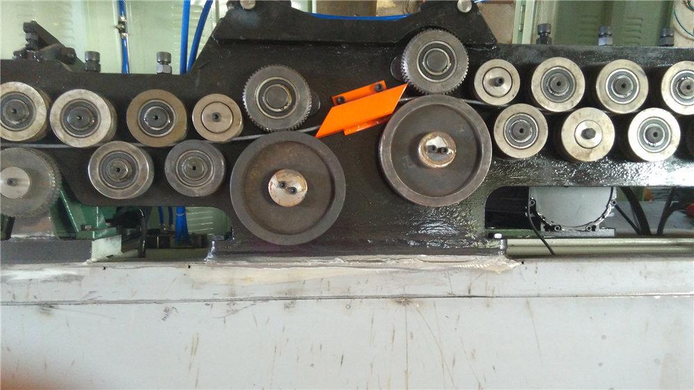 Otomatik üzengi bükme makinası